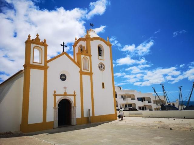 Luz - cerkev na obali